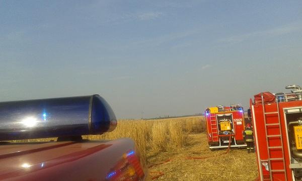 You are browsing images from the article: 11.04.2015r. - Ciężki dzień dla strażaków, trzy pożary w ciągu dnia.